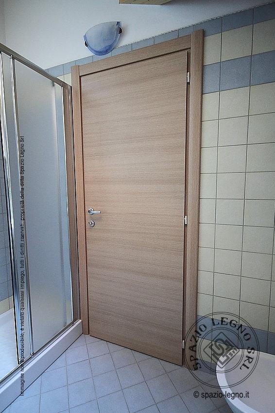Porte rovere per casa e locali pubblici porte garofoli e - Porte per bagno ...