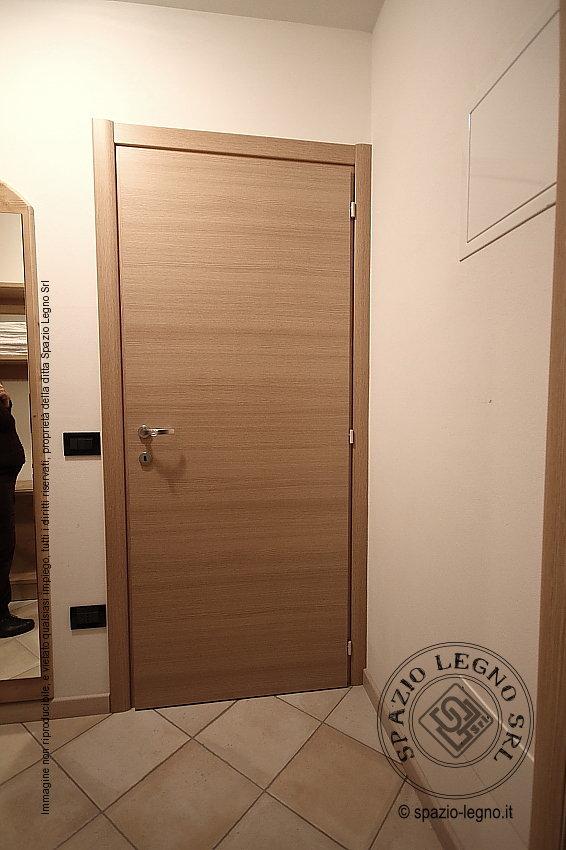 Porte rovere per casa e locali pubblici porte garofoli e - Porte interne rovere grigio ...
