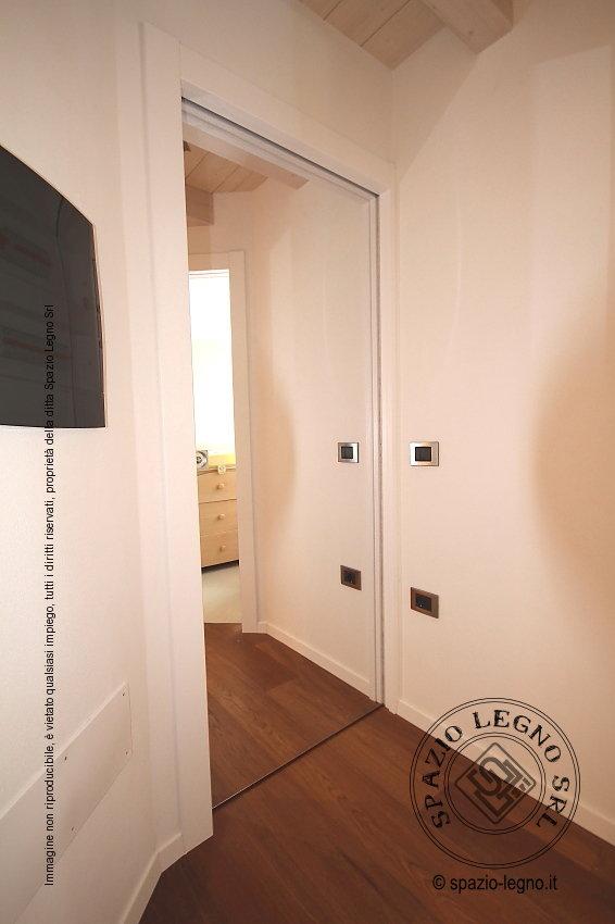 Specchio porta latest specchio legno porta gioie bianco - Porta a specchio ...